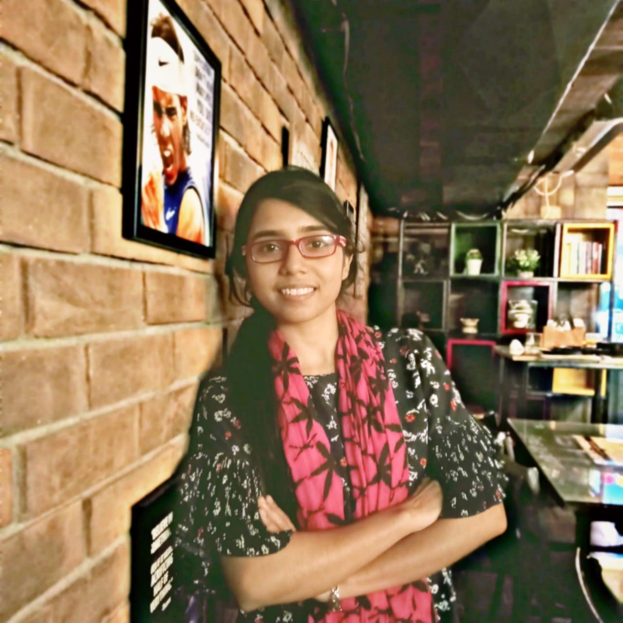 Diksha - Content writer @ Sneak Bigger